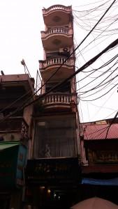 Limitées en largeur à cause des impôts, les maisons au Vietnam montent en graine !