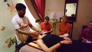 Cours de massage du visage(c)MF Souchet