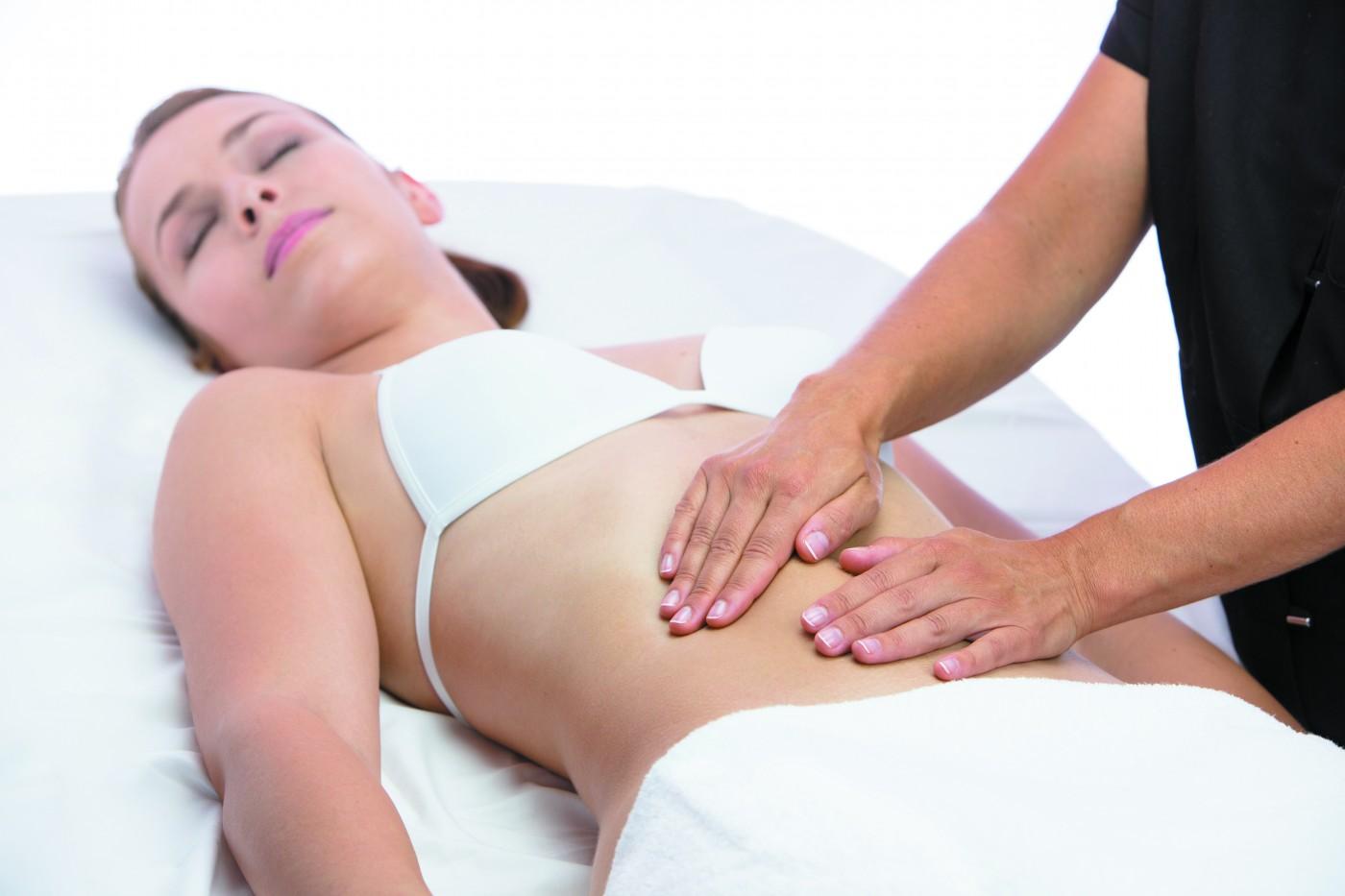 Massage Chi Nei Tsang©Sebastien Tiphangne