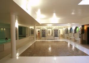Salle tiède et bain ©Hammam Pacha