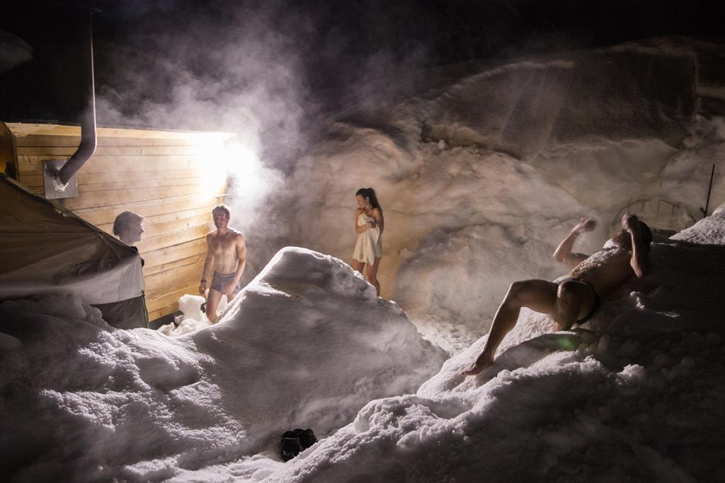 Sauna mobile de Pelvoux-Vallouise(c)Thibaut Blais/OTI Pays des Ecrins