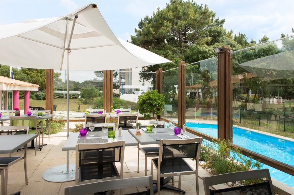 Terrasse du restaurant extérieur(c)VALDYS Resort