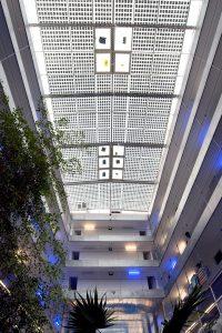 Puits de lumière au centre des studios des Thermes(c)Les Thermes